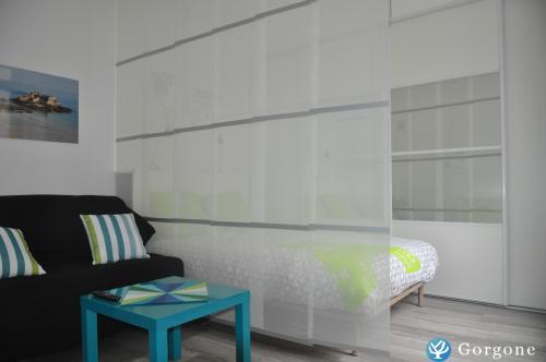Semblant de chambre avec fermeture