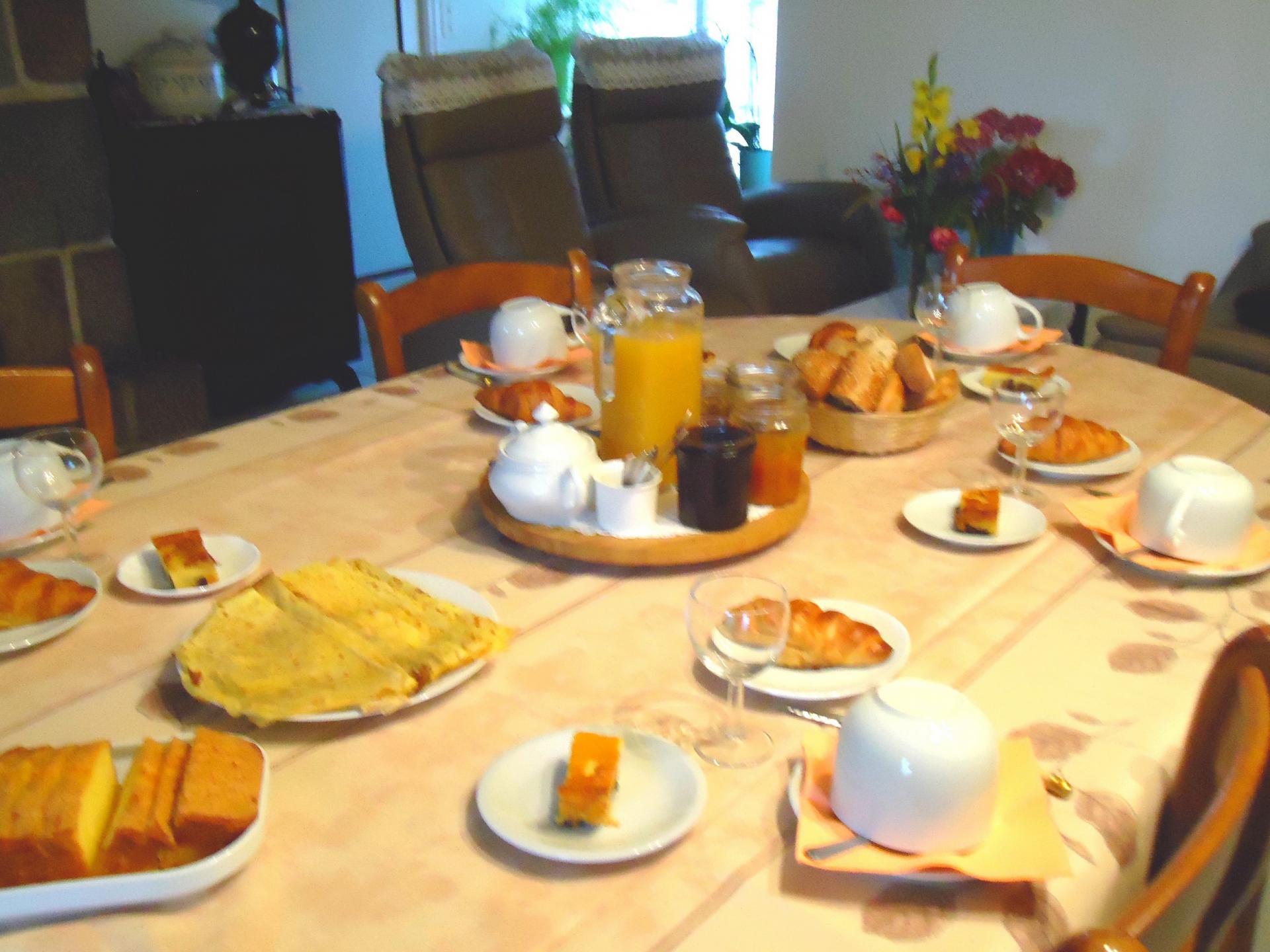 Petit déjeuner le matin dans le coin repas